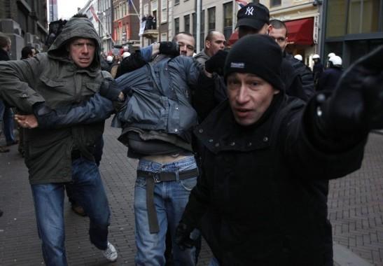 Politie in Burger (Stillen) in actie
