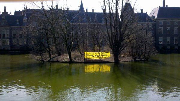 Spandoek op Hofvijver